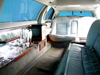 Rental luxury car with driver royal road limousine for Interieur limousine